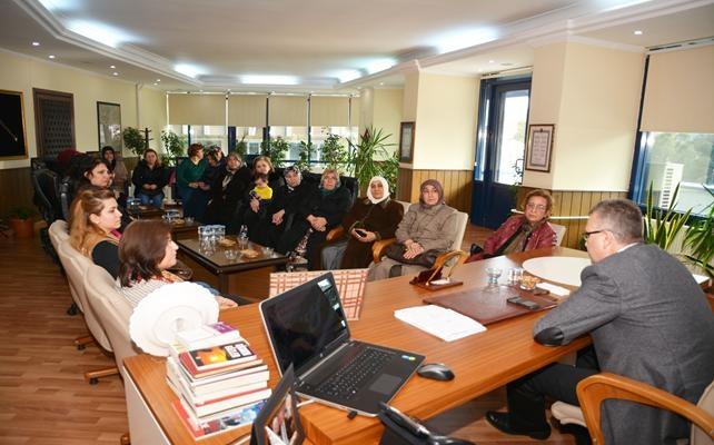 AK Partili Kadınlardan Başkan Özkan'a Ziyaret