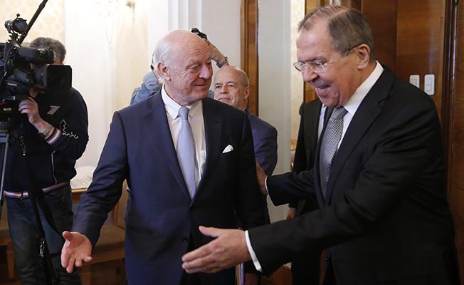 BM Suriye Özel Temsilcisi Mistura, Lavrov'la bir araya geldi