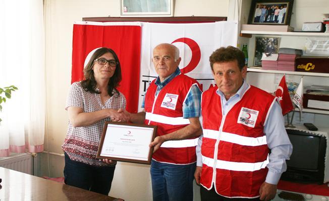 Annesinin evini Türk Kızılayı'na bağışladı
