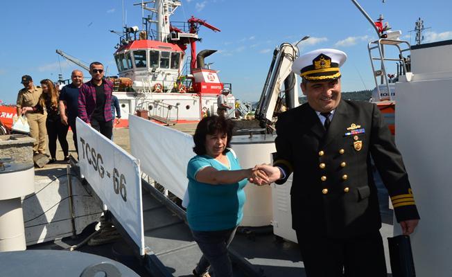 """Sahil Güvenlik askerine """"Anneler Günü"""" sürprizi"""