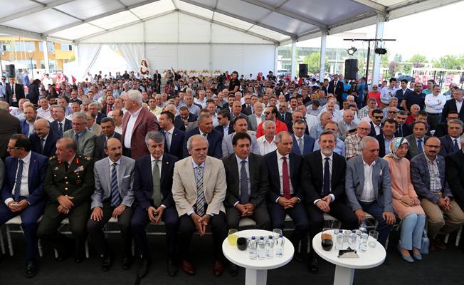 """107 tonluk mermerden """"15 Temmuz Şehitler Anıtı"""" açıldı"""