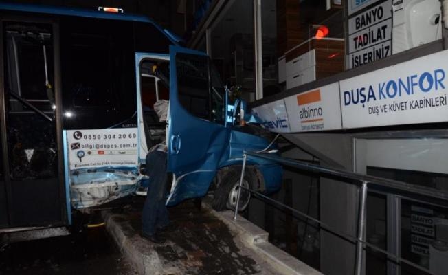 Ümraniye'de Feci Şekilde Trafik Kazası Meydana Geldi