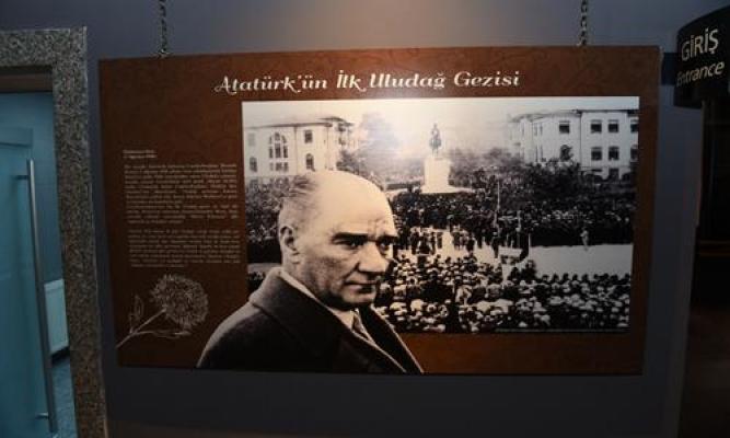 Atatürk Bursa`da sergisi açıldı