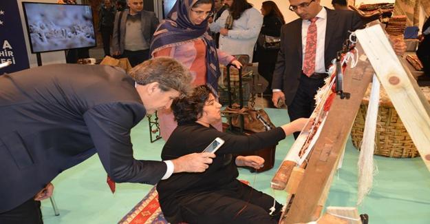 Bursa'nın İpek Halıları Almanya Fuarında Görücüye Çıktı