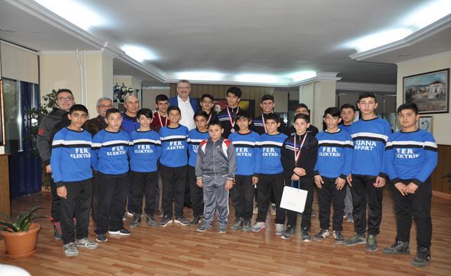 Karacabeyli Güreşçilerden Uluslararası Başarı