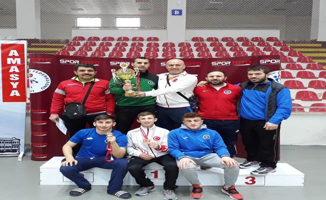 Büyükşehir'in yıldızları Serbest Güreş Türkiye Şampiyonu Oldu