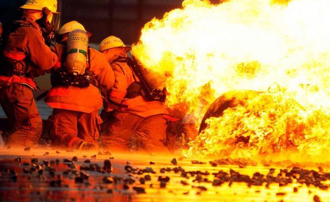 Bursa'da Geri Dönüşüm Fabrikasında Yangın