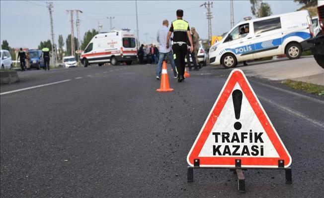 Bursa'da Kafa Kafaya Çarpışan Otomobillerde Can Pazarı