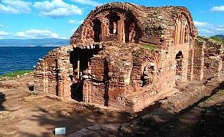 Hagios Aberkios Kilisesinde Temizlik
