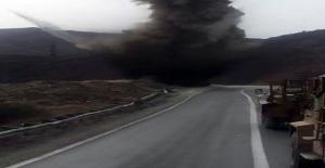 Hakkari'de yola döşenen patlayıcı imha edildi