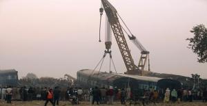 Hindistandaki Tren Kazası