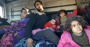 Doğu Halep'ten ilk konvoyla 951 kişi ayrıldı
