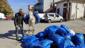 Bursa'da O Mahallelere Atıyla Yük Taşıyor