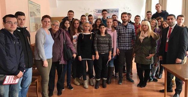 İstanbul Yeni Yüzyıl Üniversitesi, Bosna Hersek'te üniversite adayı öğrencilerle buluştu