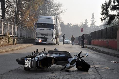 Okul Önündeki Kaza Dehşeti Kameraya Böyle Yansıdı