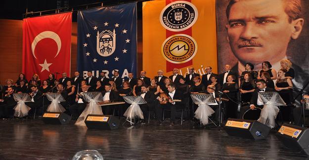 Bursa'da Müzik Dolu Anlamlı Gece
