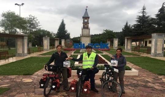 Arjantin'den bisikletle balayına çıkan çift Bilecik'te