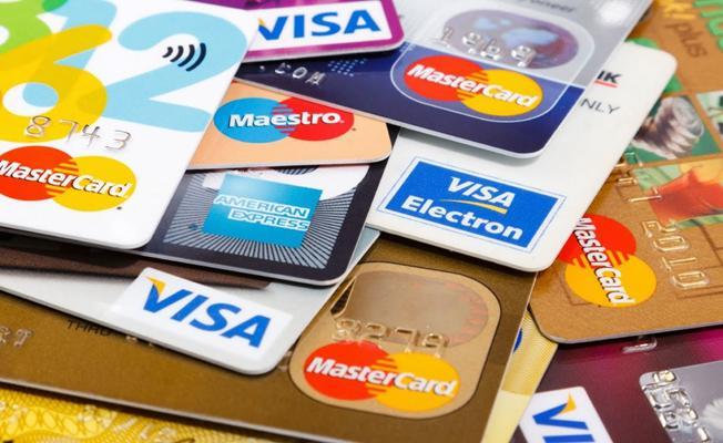 Türkiye'de Kredi Kartı Borcunu Ödeyemeyenlerin Sayısı Açıklandı