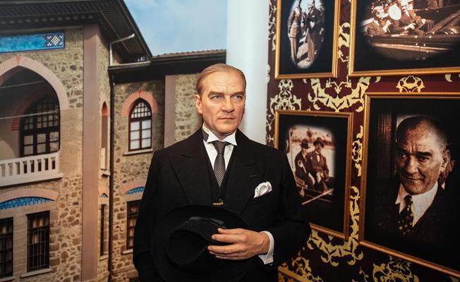 Madame Tussauds, 10 Kasım'da  Mustafa Kemal Atatürk'ü Saygıyla Anıyor