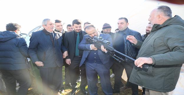 Başkan Aktaş, film setinde MPT-76`yı test etti