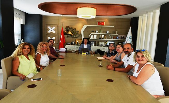 Bursa Kuaförler Odası Başkan Bozbey'i Ziyaret Etti