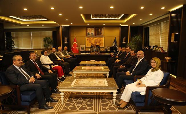 AK Parti Bursa Milletvekilleri'nden Büyükşehir Belediyesine Ziyaret
