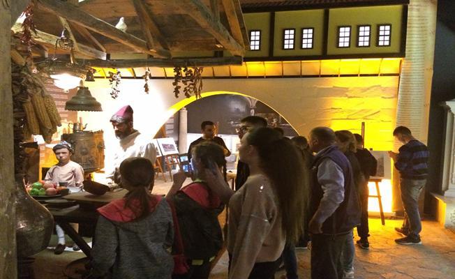 Burs'da Müze ve Türbelerde Bayram Bereketi Yaşandı