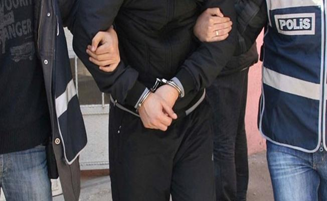Bursa'da Öğrencilere Uyuşturucu Satamadan Yakalandı