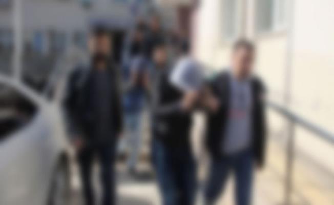 Bursa'da Okullarda Uyuşturucu ve Hap Satmaya Çalışırken Yakalandılar
