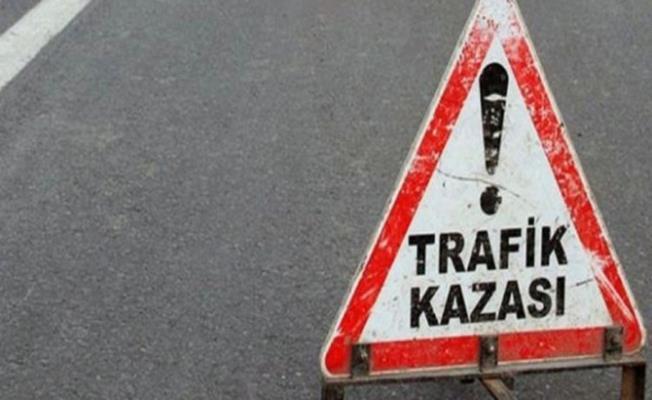 Bursa'da Tır Şarampole Uçtu! Şöförü Vatandaşlar Kurtardı