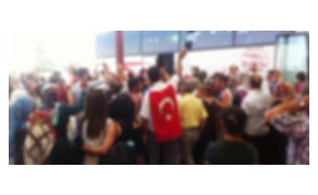 Bursa'da Asker Uğurlamada Maganda Dehşeti!
