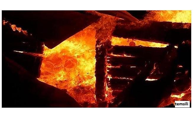 Bursa'da Tarihi Evde Yangın!