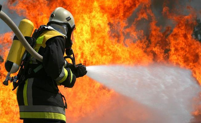 Bursa Gemlik'te Apartmanda Çıkan Yangın Söndürüldü