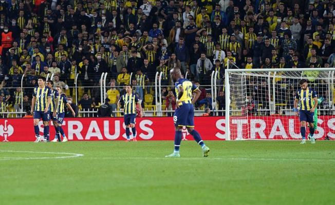 Fenerbahçe Olympiakos'a 3-0 Mağlup Oldu