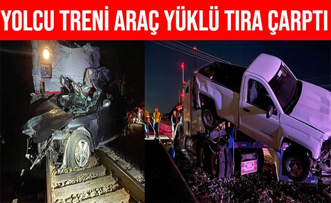 ABD'de Yolcu Treni Araç Yüklü Tıra Çarptı: 4 Kişi Yaralandı
