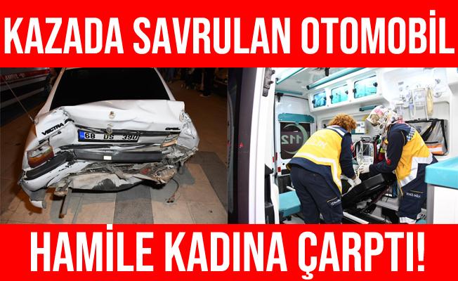 Aksaray'da Minibüsle Çarpışan Otomobil Hamile Kadına Çarptı