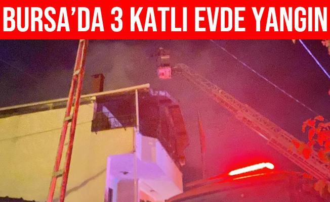 Bursa'da 3 Katlı Evin Teras Katında Yangın Çıktı