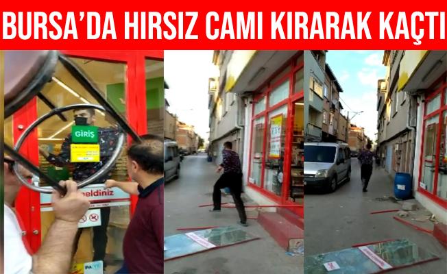 Bursa'da Markete Kilitlenen Hırsız Camı kırarak Kaçtı