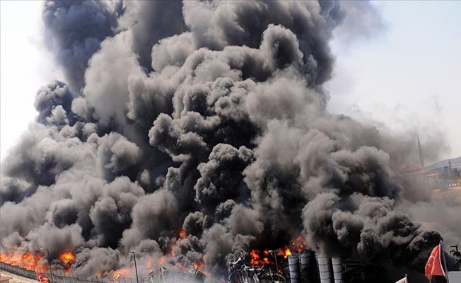 Tuzla Deri Sanayi Sitesi'nde Fabrika Yangını