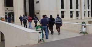 FETÖ operasyonunda 6 polis ve 1 avukat tutuklandı