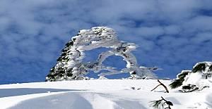 Kazdağları buz tuttu
