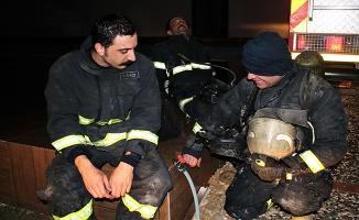 Bursa'da 11. Katta çıkan yangın büyümeden söndürüldü