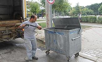 Bayram Öncesi Çöp Konteynırları Temizleniyor