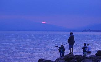 Usta Balıkçılar Bursa'da Birbirleriyle Yarıştılar