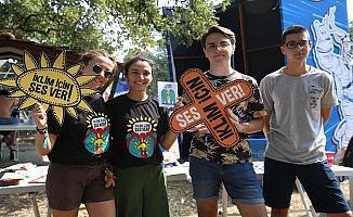 Nilüfer Müzik Festivali'nde Gençler festivalde iklim sorunu  için çağrıda bulundu