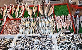 Bursa'da Balık Fiyatları Düşünce Müşteri ve Esnaf Bayram Yaptı!