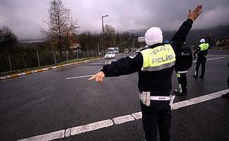 Bursa'da Durdurulan Araçta Tabanca ve Uyuşturucu Ele Geçirildi!