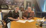 Bursaspor Şamilcan Bahçeli#039;yle Profesyonel Sözleşme İmzaladı